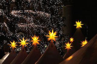Weihnachtsmarkt, Weihnachtssterne, Sternenhimmel
